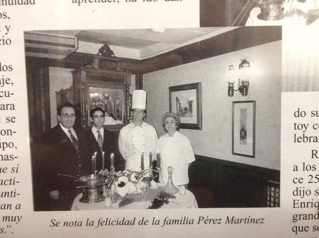 La familia Pérez Martínez en un antiguo recorte de periódico. Foto:@eldoncel_