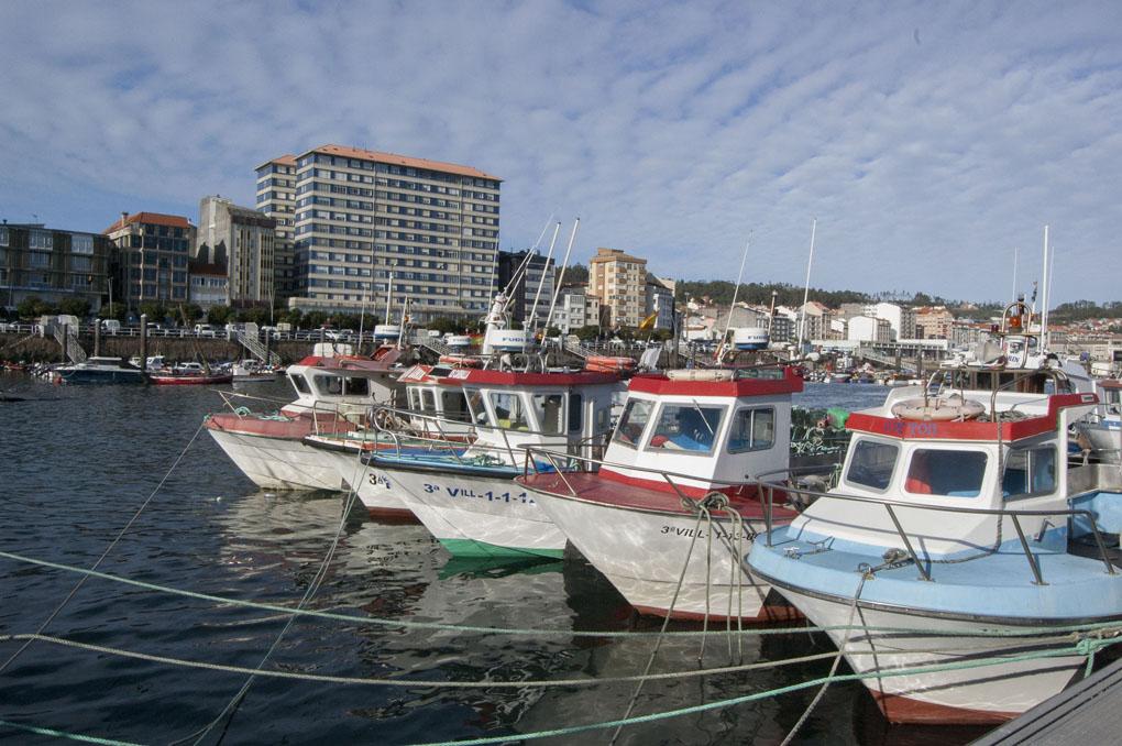 Esta cooperativa cuenta con una fota de embarcaciones ancladas en varios puertos de la costa gallega.