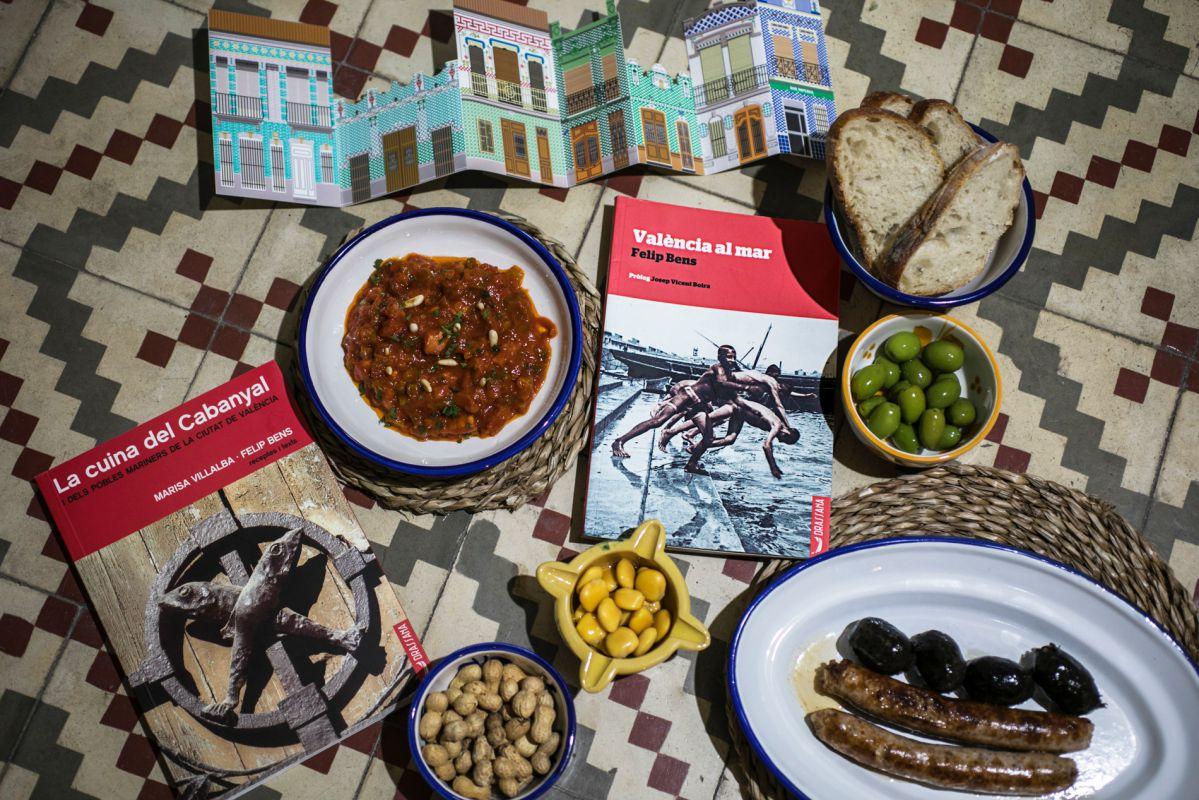 Lecturas para una inmersión gastrocultural en un barrio histórico de pescadores como el Cabanyal. Vajilla de 'Simple'.