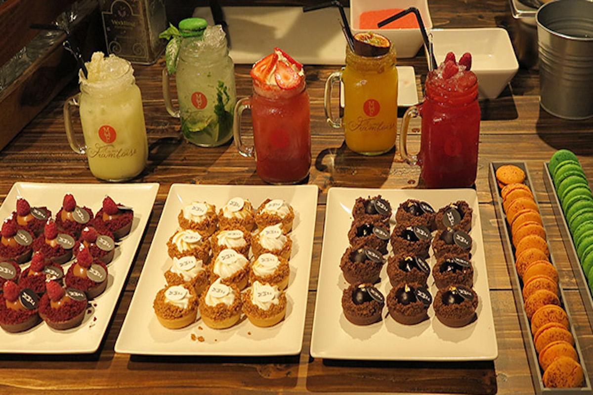 Armonías de cócteles, granizados y alta pastelería.