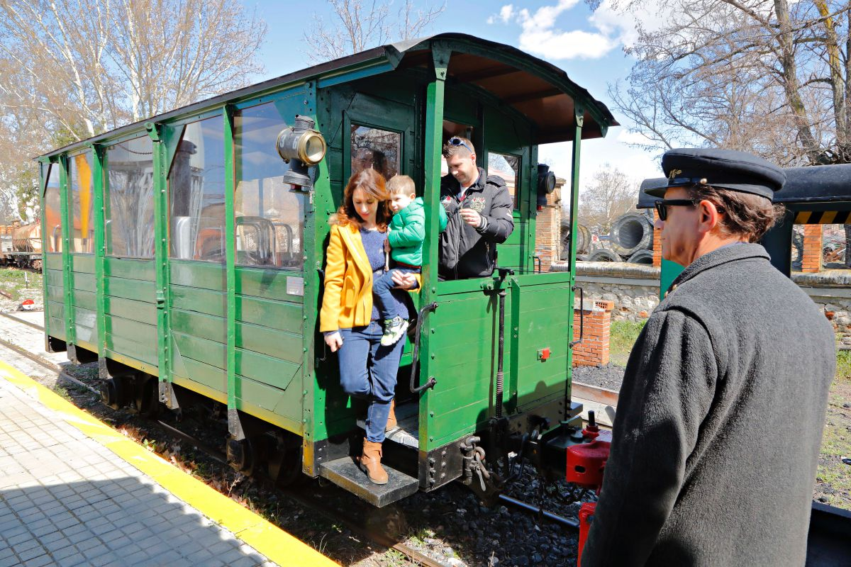 El tren lanzadera era una antiguo ferrocarril de carga.
