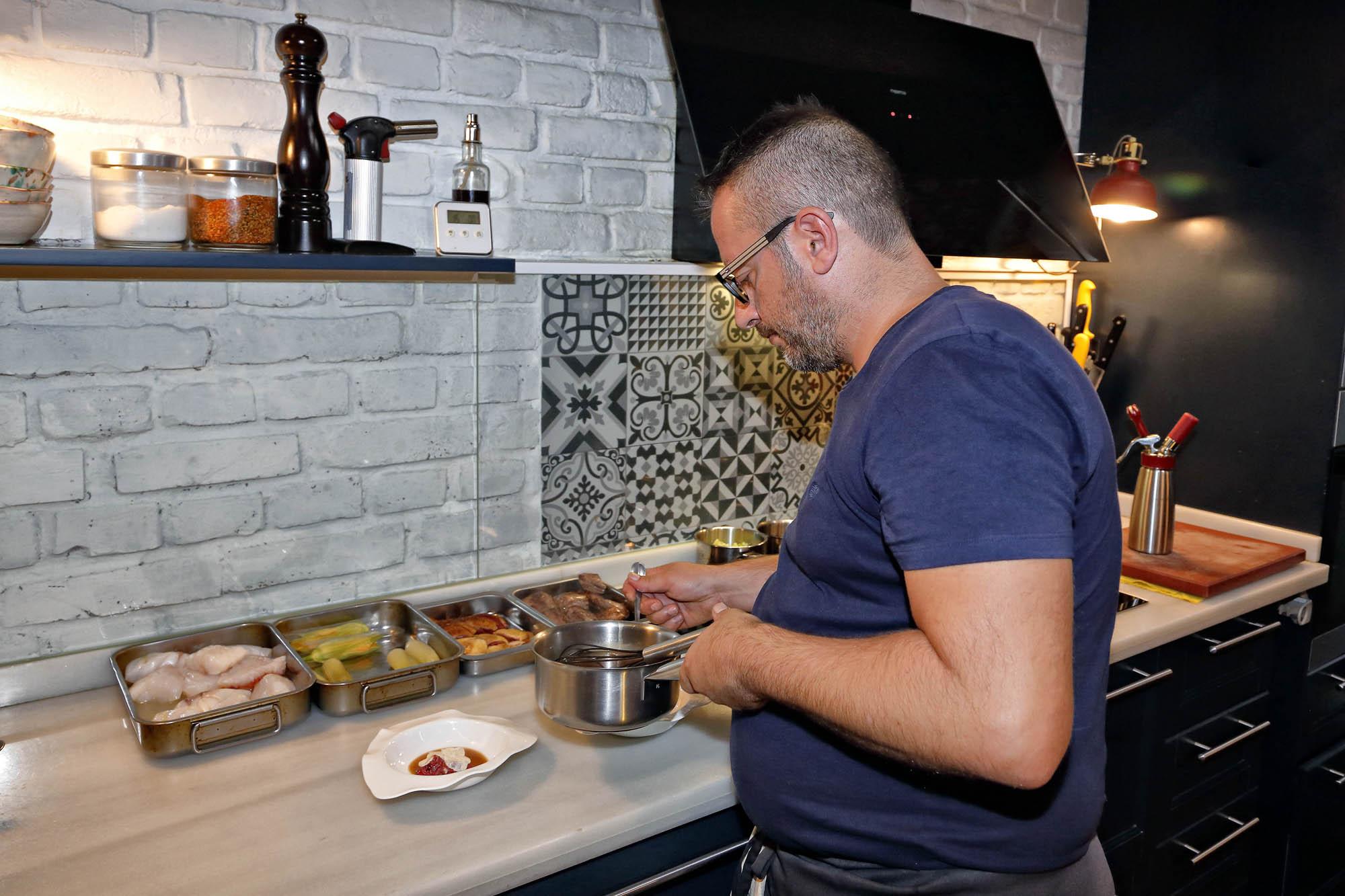 Pedro trabajó durante 16 años en 'Casa Antonio'. En septiembre de 2017, abrió 'Bagá'.