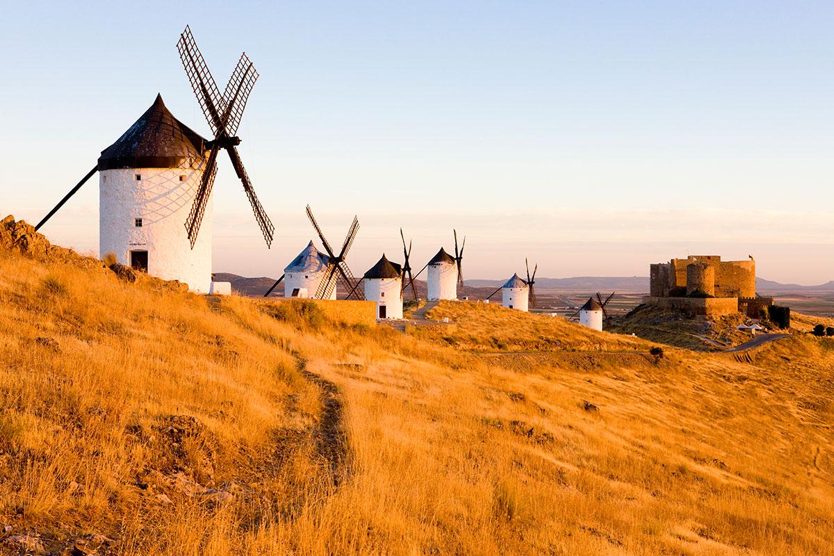 Paisaje de Consuegra, donde se recrea la batalla entre el ejército de Alfonso VI y los almorávides. Foto: Shutterstock.