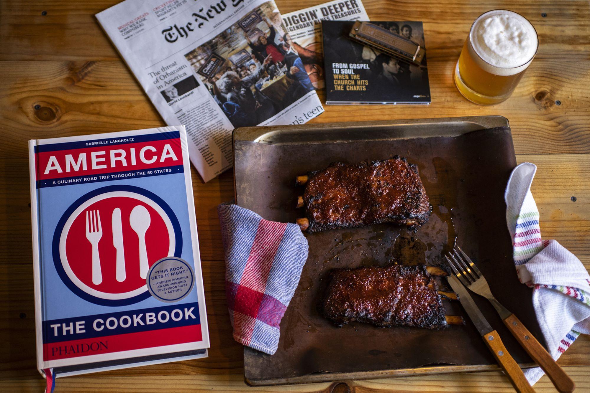 'America: The Cookbook', de Gabrielle Langholtz, editado por Phaidon.