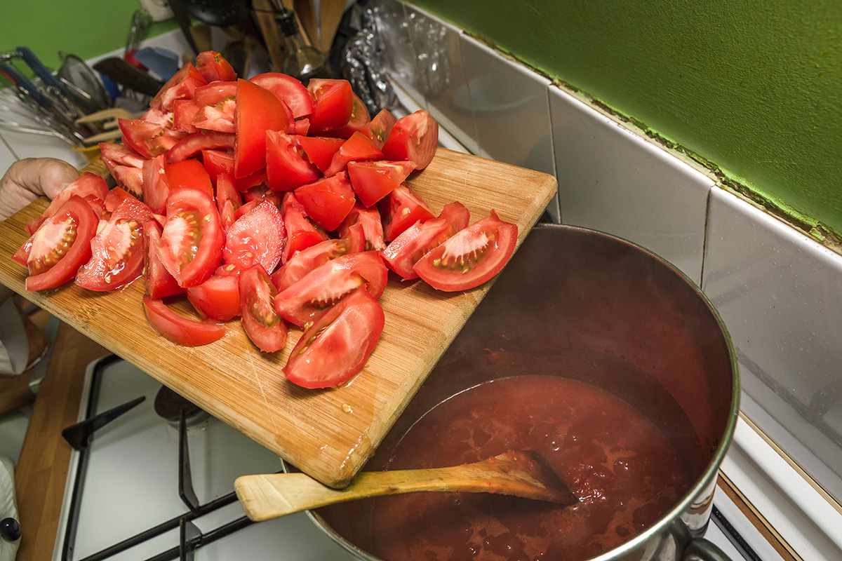 Trozos de tomate.