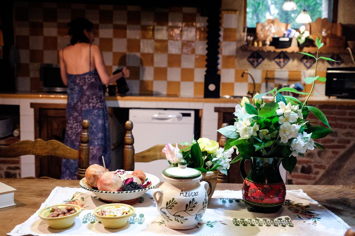 El alojamiento no sirve desayunos, por lo que hay que ir preparado.