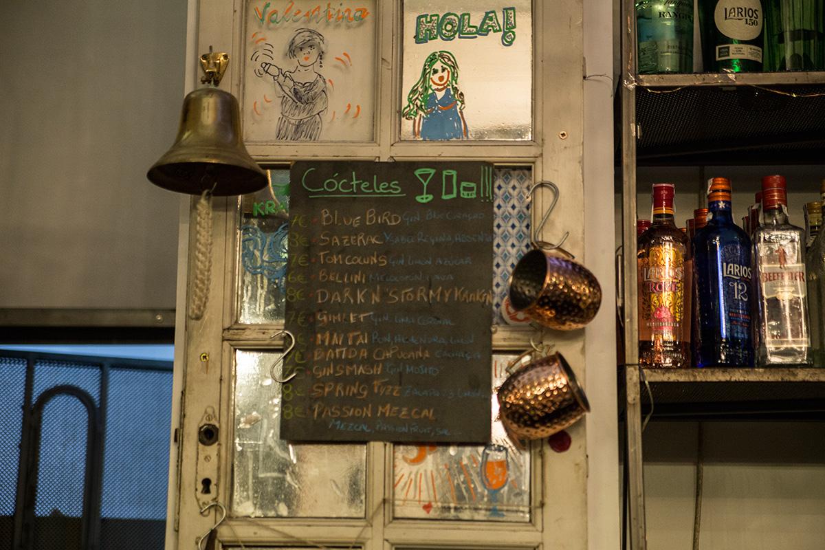 Detalles de la decoración de este bar tan especial para sus clientes.