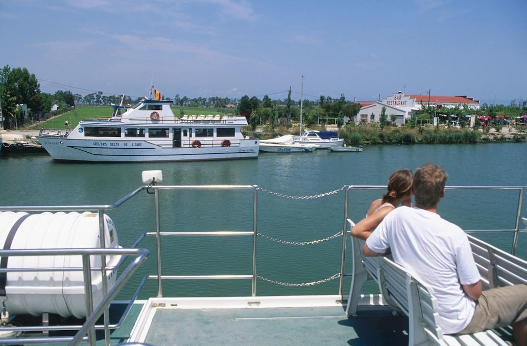 Viajar a bordo de domésticos cruceros fluviales, la manera más sencilla de descubrir decenas de aves. Foto: Agestock.