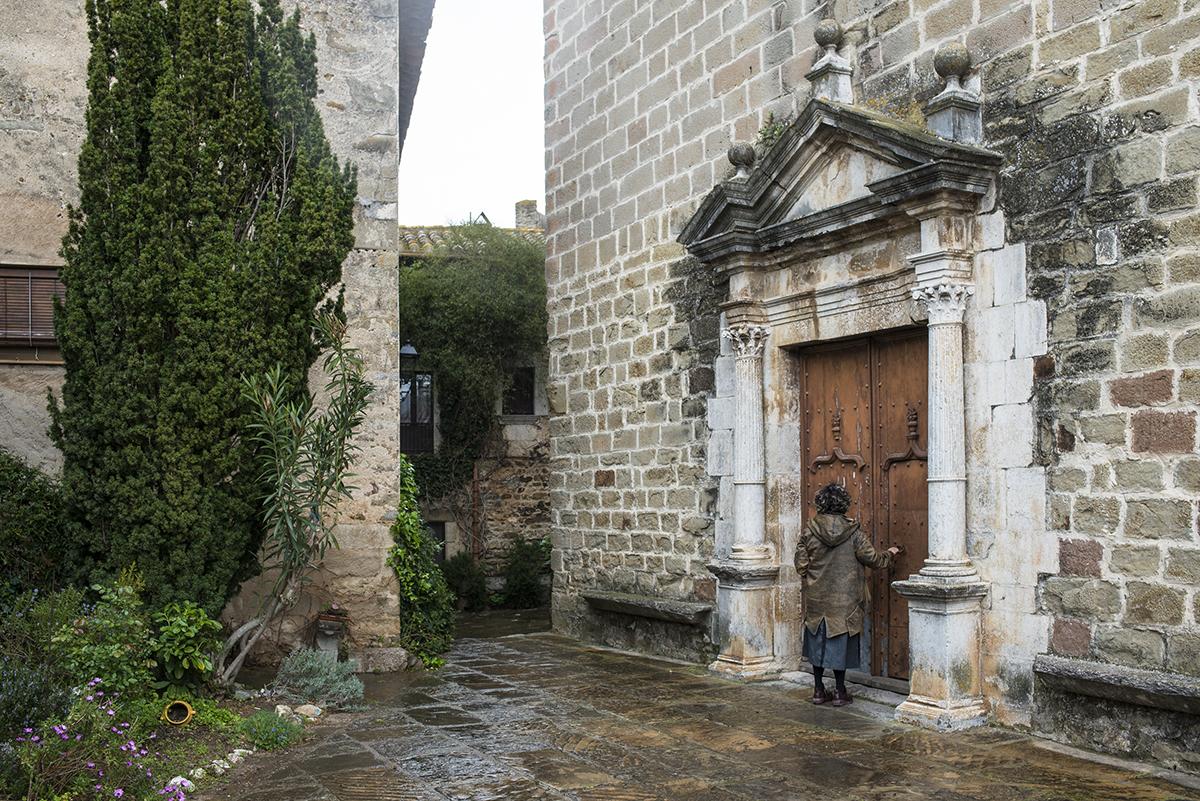 Debajo de la Iglesia de Sant Martí hay restos del siglo II, según Elsa Peretti.
