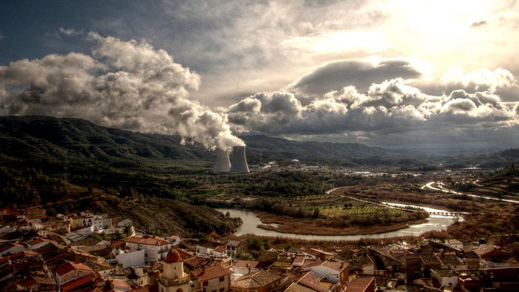 Panorámica del municipio de Cofrentes, vista desde el castillo. Foto: Toni Rodrigo / Flickr CC