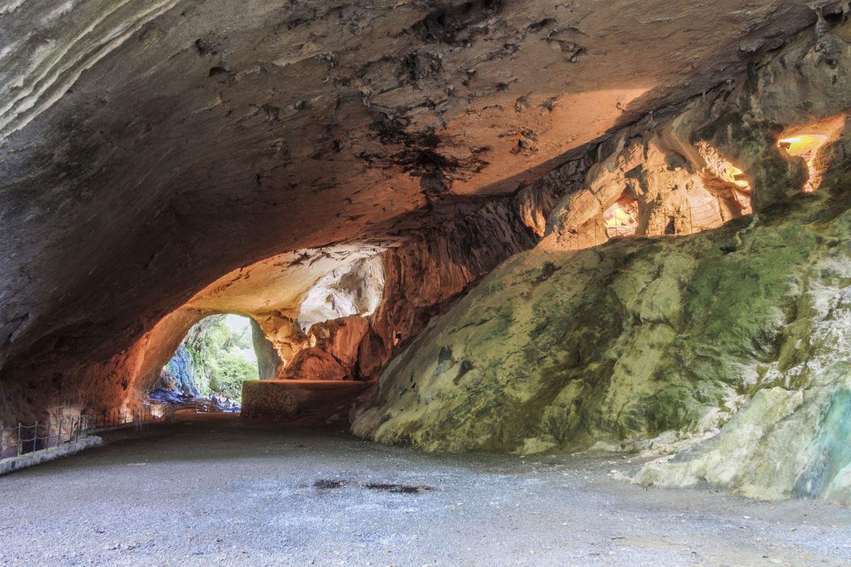 Cueva de los Aquelarres.