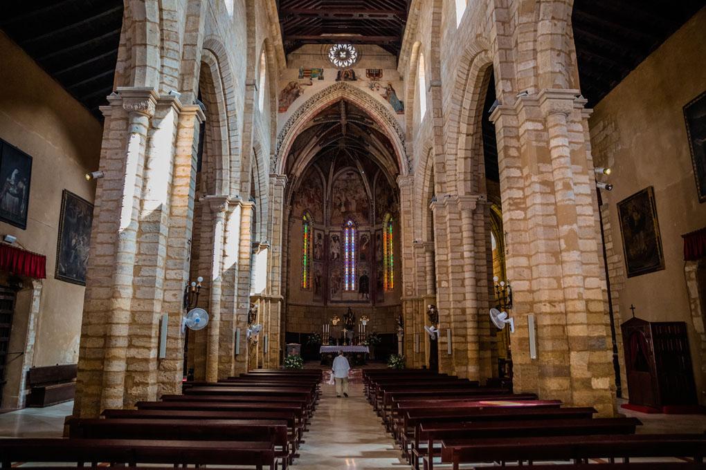 El interior de la Iglesia de San Lorenzo. Foto: John Silver. Shutterstock.
