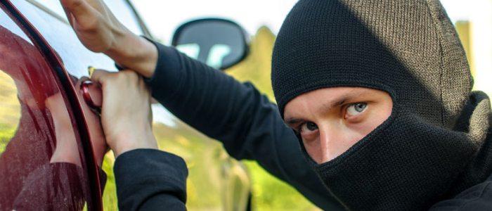 En vacaciones hay que extremar las precauciones para evitar robos en los vehículos.