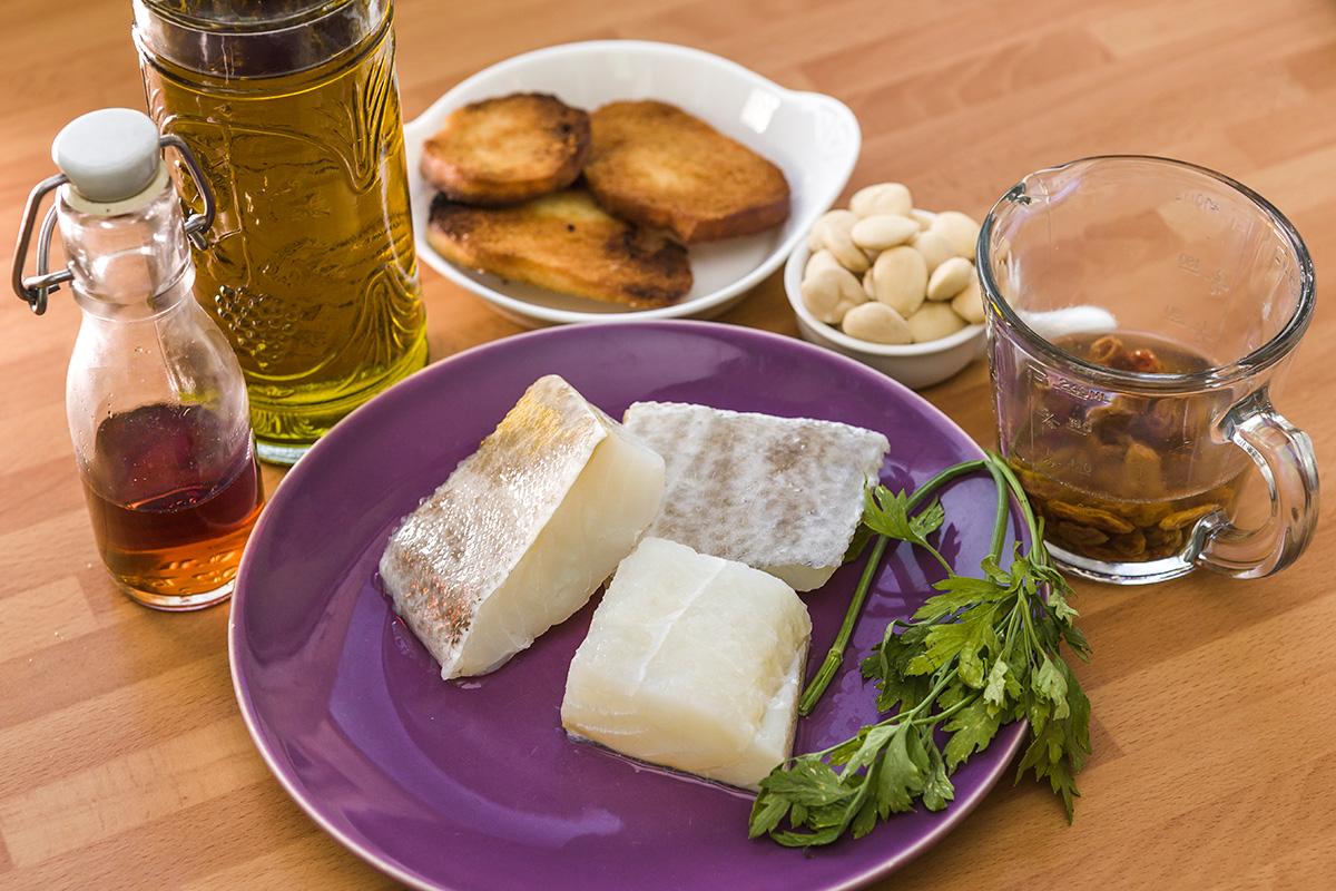 Ingredientes del bacalao en cazuela de Pla de Bages.