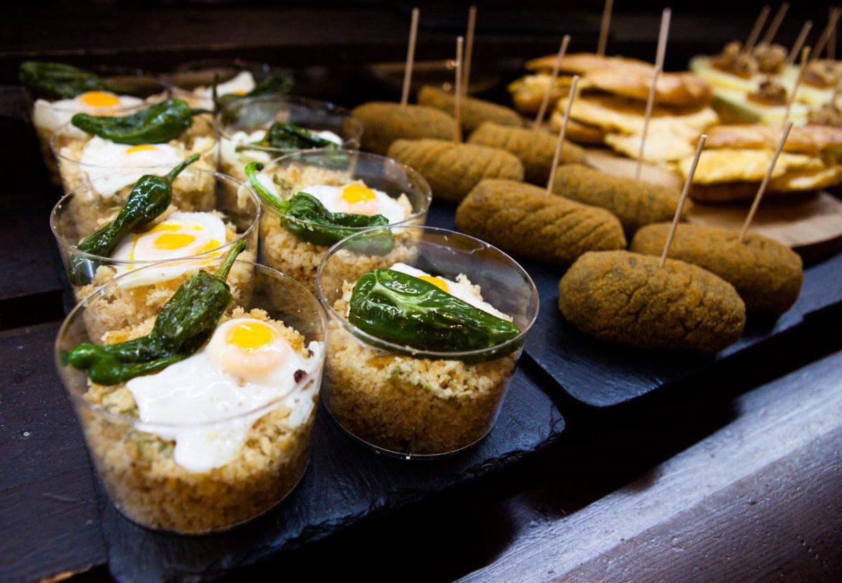 Las migas con huevo y pimiento verde, el más icónico de la casa.