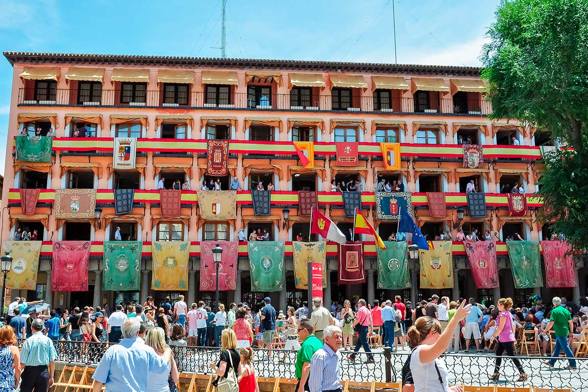 La Plaza de Zocodover preparada para el día grande del Corpus. Foto: Shutterstock