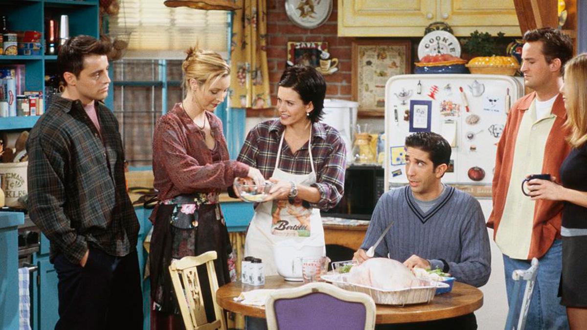 Mónica estaba siempre dispuesta a cocinar para sus amigos.