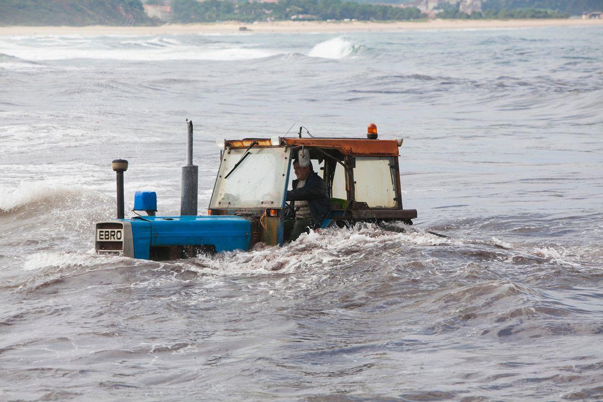 Tractores tuneados en vehículos anfibios
