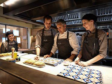 'Mi Candelita' (Asturias), 'Pur' (Barcelona), 'El señor Martín' (Madrid) y 'Cocina hermanos Torres' (Barcelona)