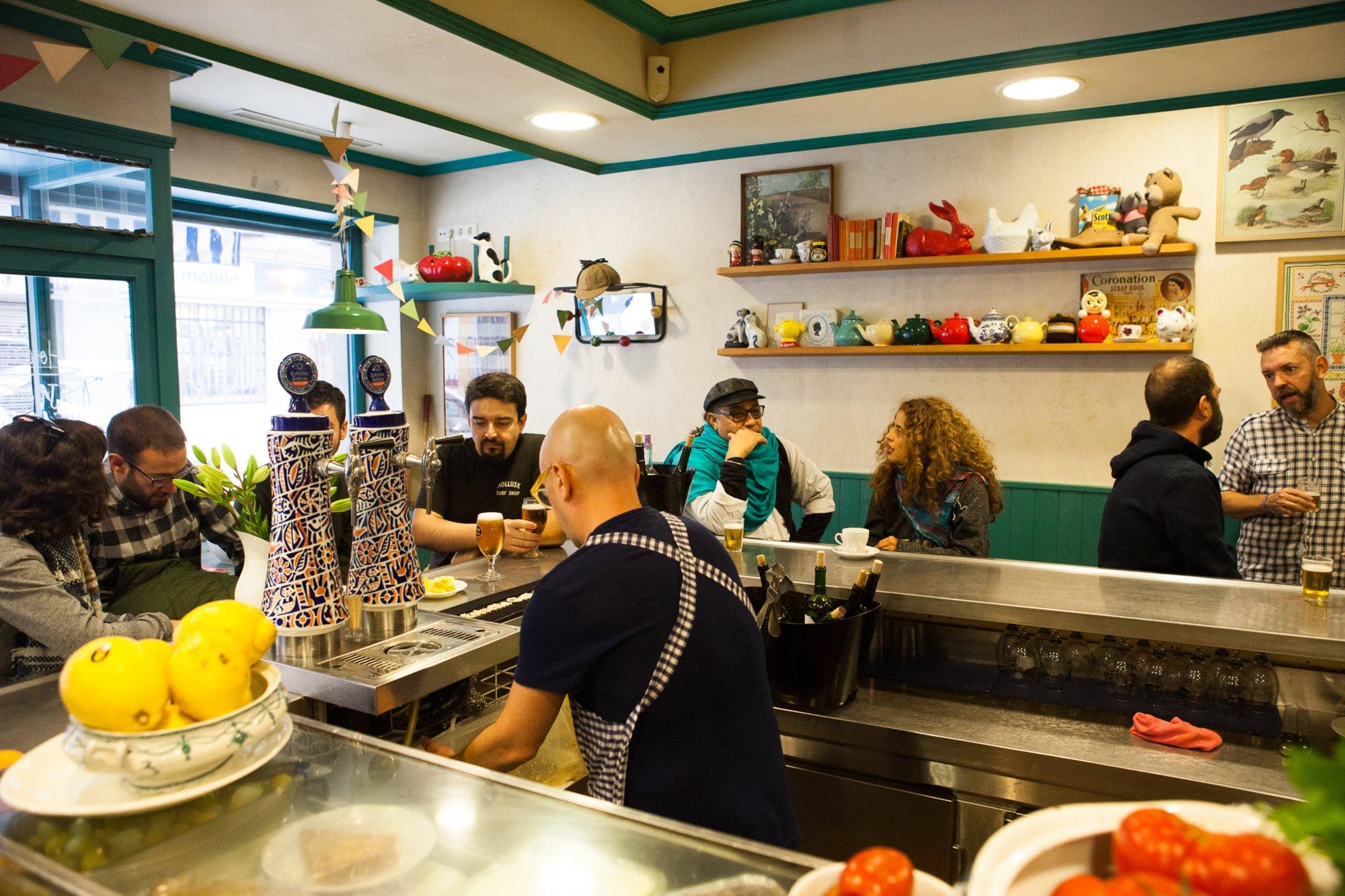 Pocas mesas y más espacio en barra en el establecimiento de 'Los Chuchis'.