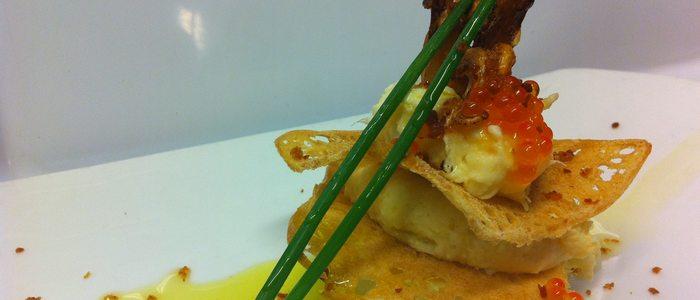 Milhoja de brandada de bacalao y pulpitos. Foto: Restaurante La Criolla.