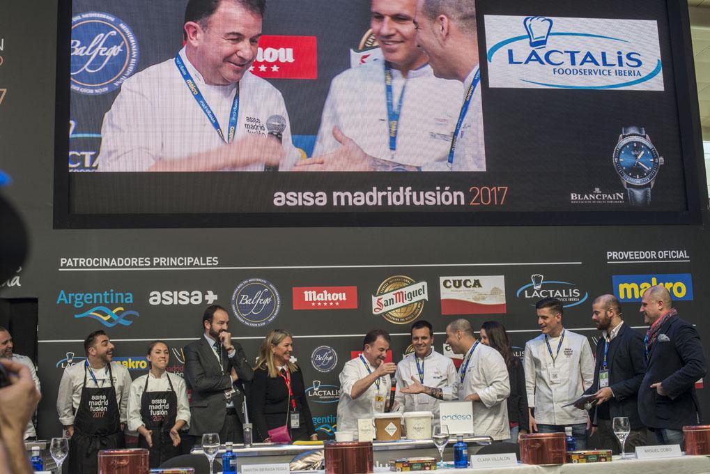 Momento en el que Martín Berasategui anuncia al ganador.