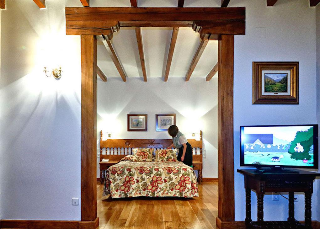 El Hotel del Oso es un clásico en la comarca. Un acierto seguro si te gusta lo rústico.