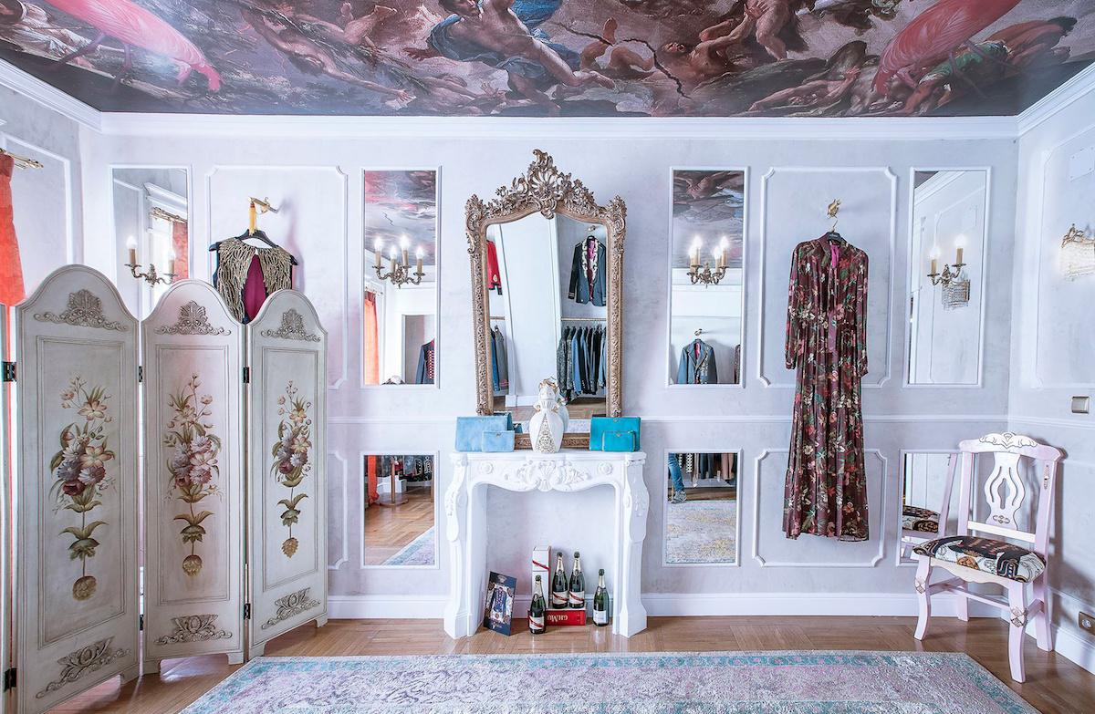 Ambiente romántico con un punto rockero envuelven el espacio de este 'showroom'. Foto: La Condesa.