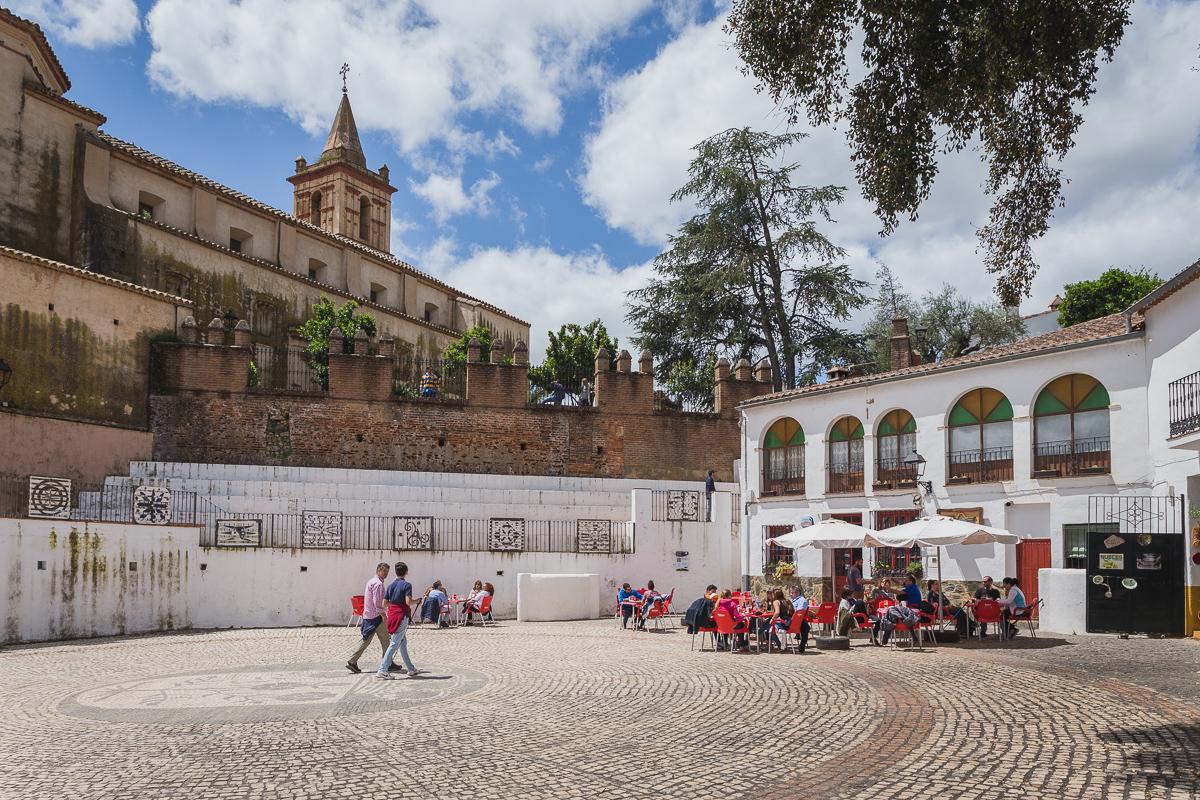 Plaza de Linares de la Sierra