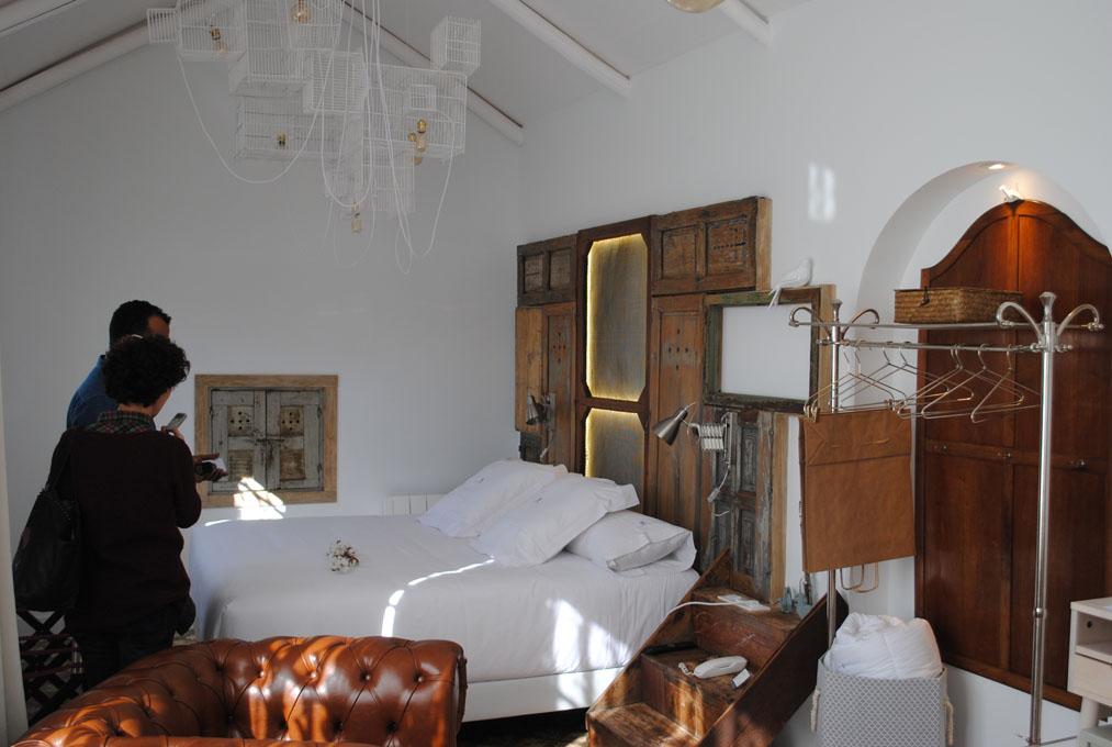 Un hotel con mucho aire andalusí.