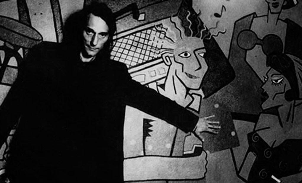 Antonio Vega, junto al famoso mural del Bar Penta. Foto: Bar Penta.