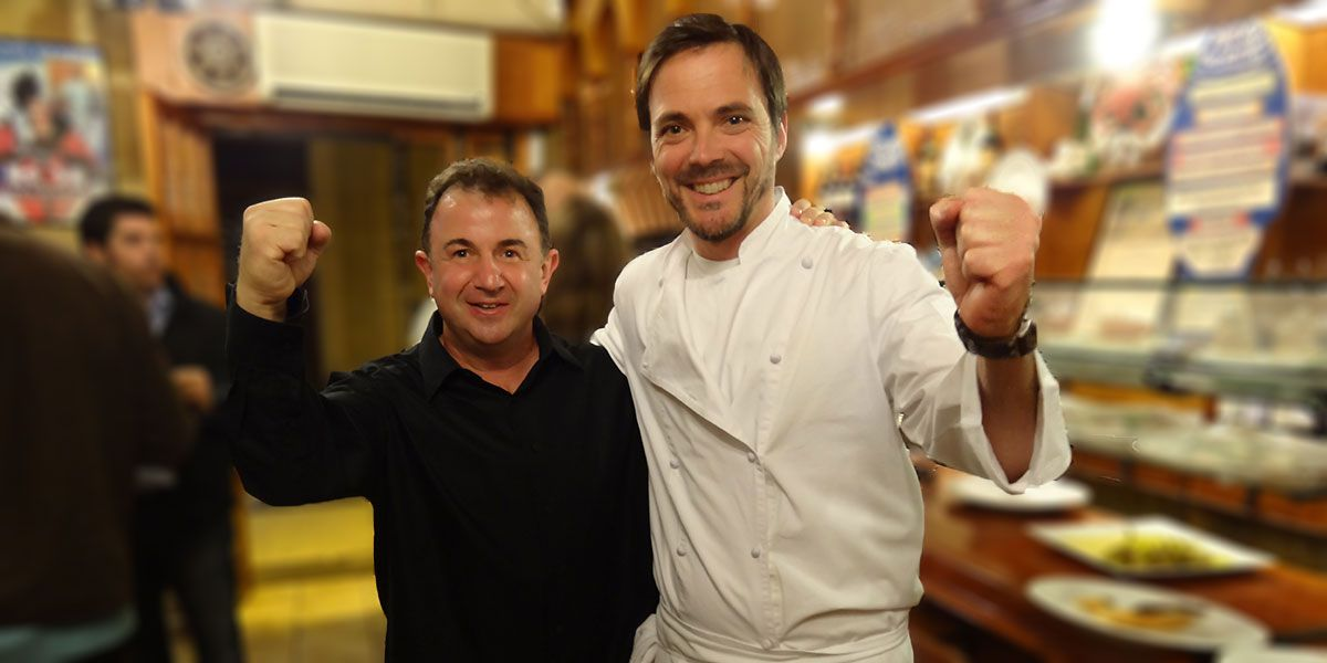 Dos cocineros y dos amigos. Foto: Bar Txepetxa.