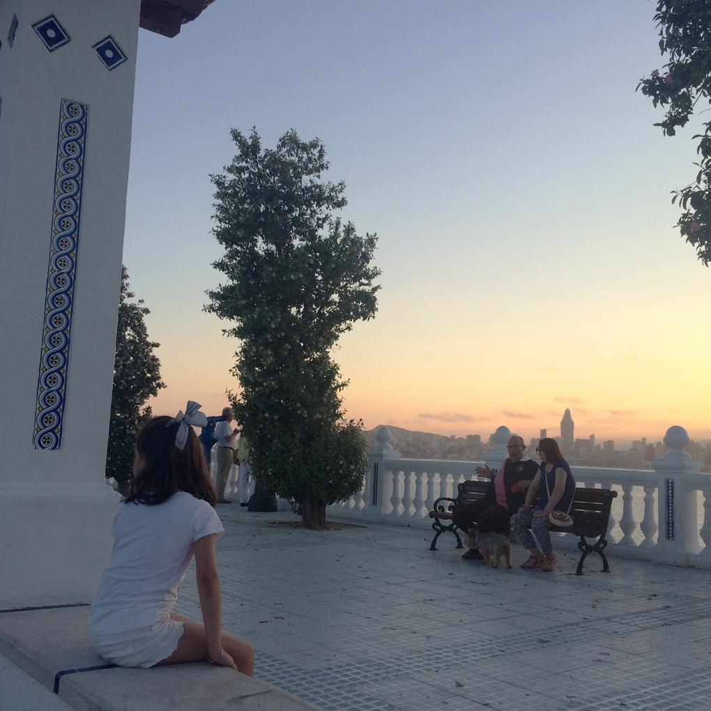 Los mejores atardeceres se disfrutan desde el Balcón del Mediterráneo. Foto: Johanna Saldón.