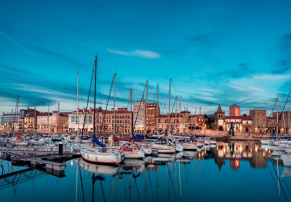 Puerto de Gijón. Foto: Shutterstock.