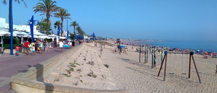 Playa La Barrosa, Chiclana. / Cedida por: Turismo de Chiclana.
