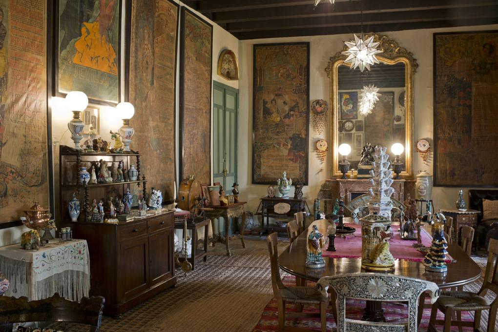 El sello ineludible de Cayetana en uno los salones de Las Dueñas, cercano al tablao del traje de montar de la emperatriz.