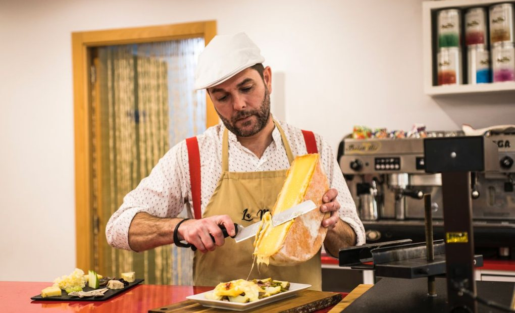 Desde tablas a platos elaborados a base de queso: aquí se sirven en torno a 200 variedades. Foto: Eva Máñez