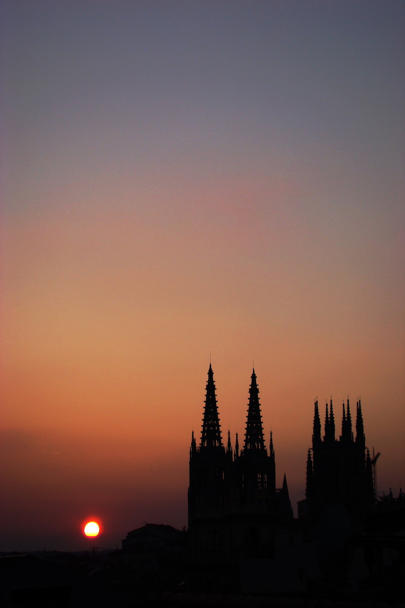 Vista de noche. Foto: Turismo de Burgos.