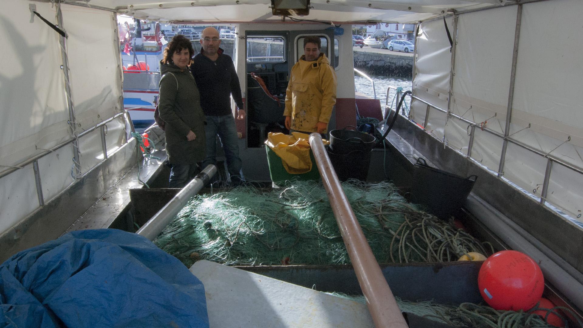 Barco de Artesans da Pesca, donde desnucan el pescado al subirlo para que no estrese./ Foto: Clara Vilar.