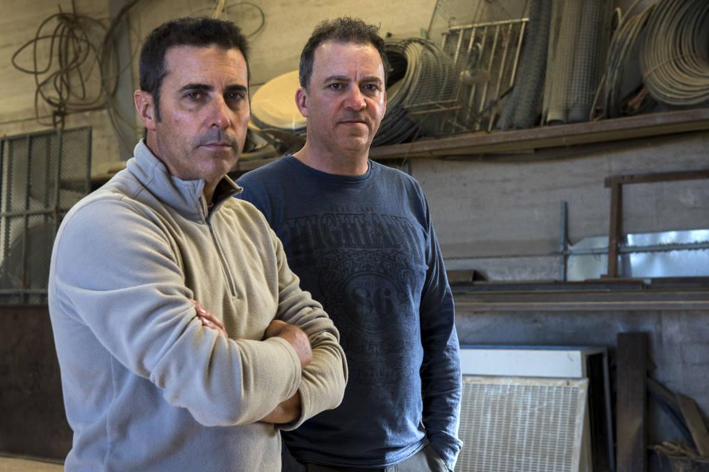 Los hermanos Luis y Manuel Gahete, productores de pistachos pioneros en España.