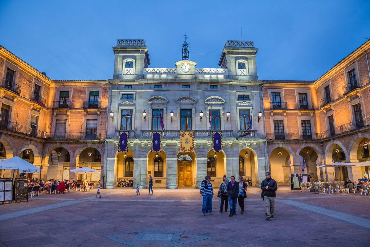 La Plaza Mayor de Salamanca, otro reclamo para visitar esta ciudad universitaria. Foto: Shutterstock.