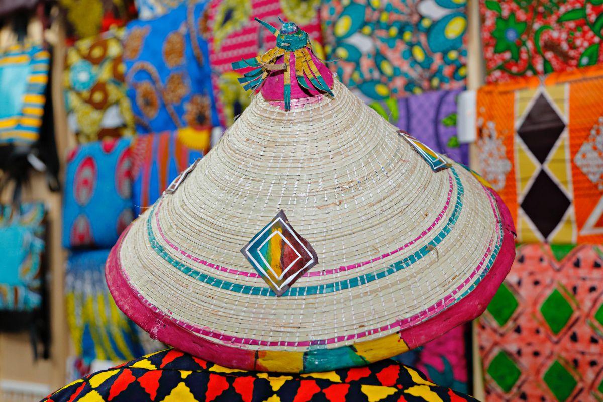 Sombrero tradicional africano típico del campo.