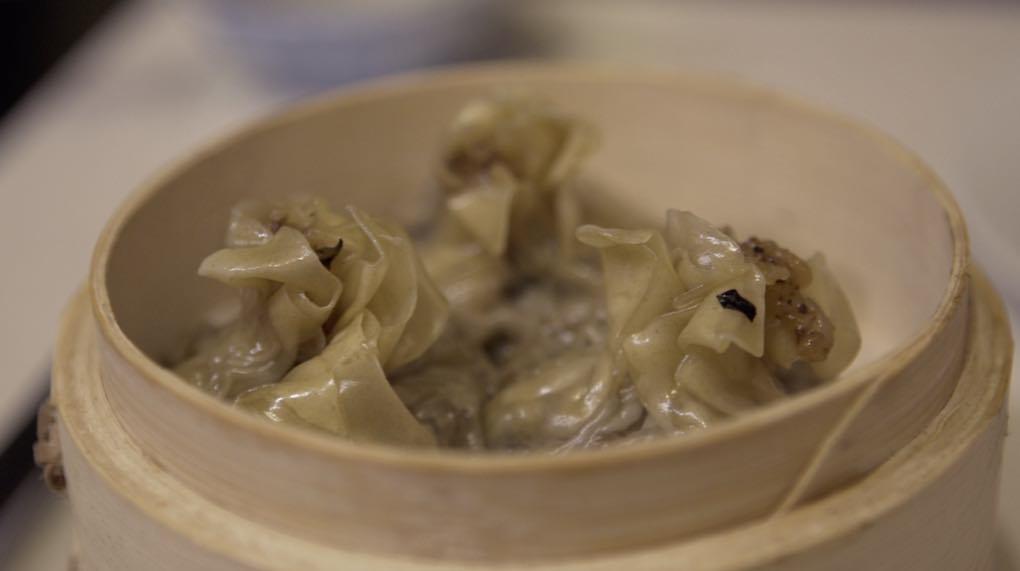 Querrás probarlos todos. Estos dumplings son de gambas y cerdo.