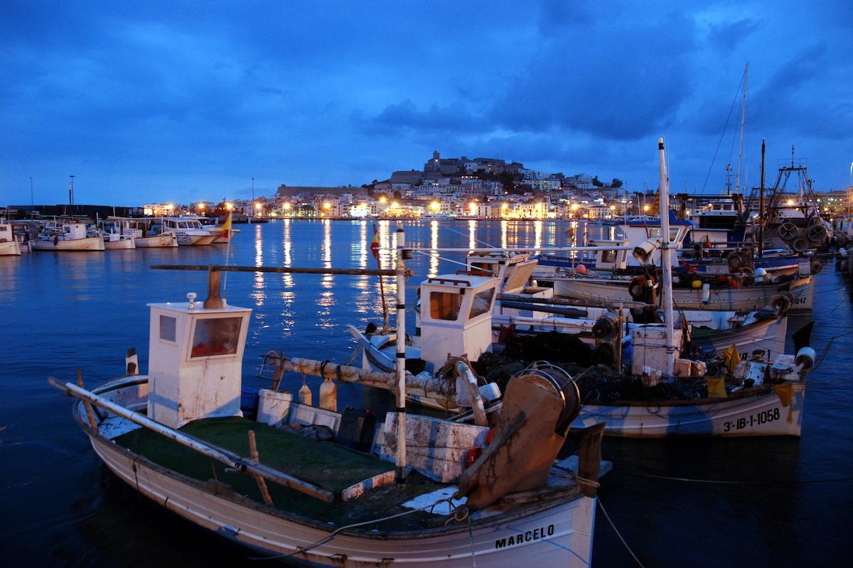 Vista desde el Puerto. Foto: Fundación de Promoción Turística de Ibiza.