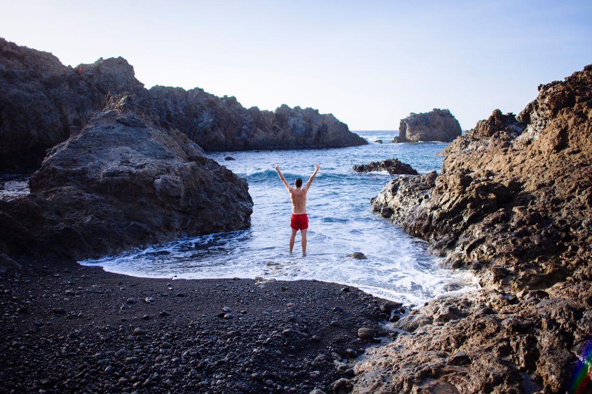 Las calas volcánicas de Tenerife convierten la Navidad en ¡otra cosa!