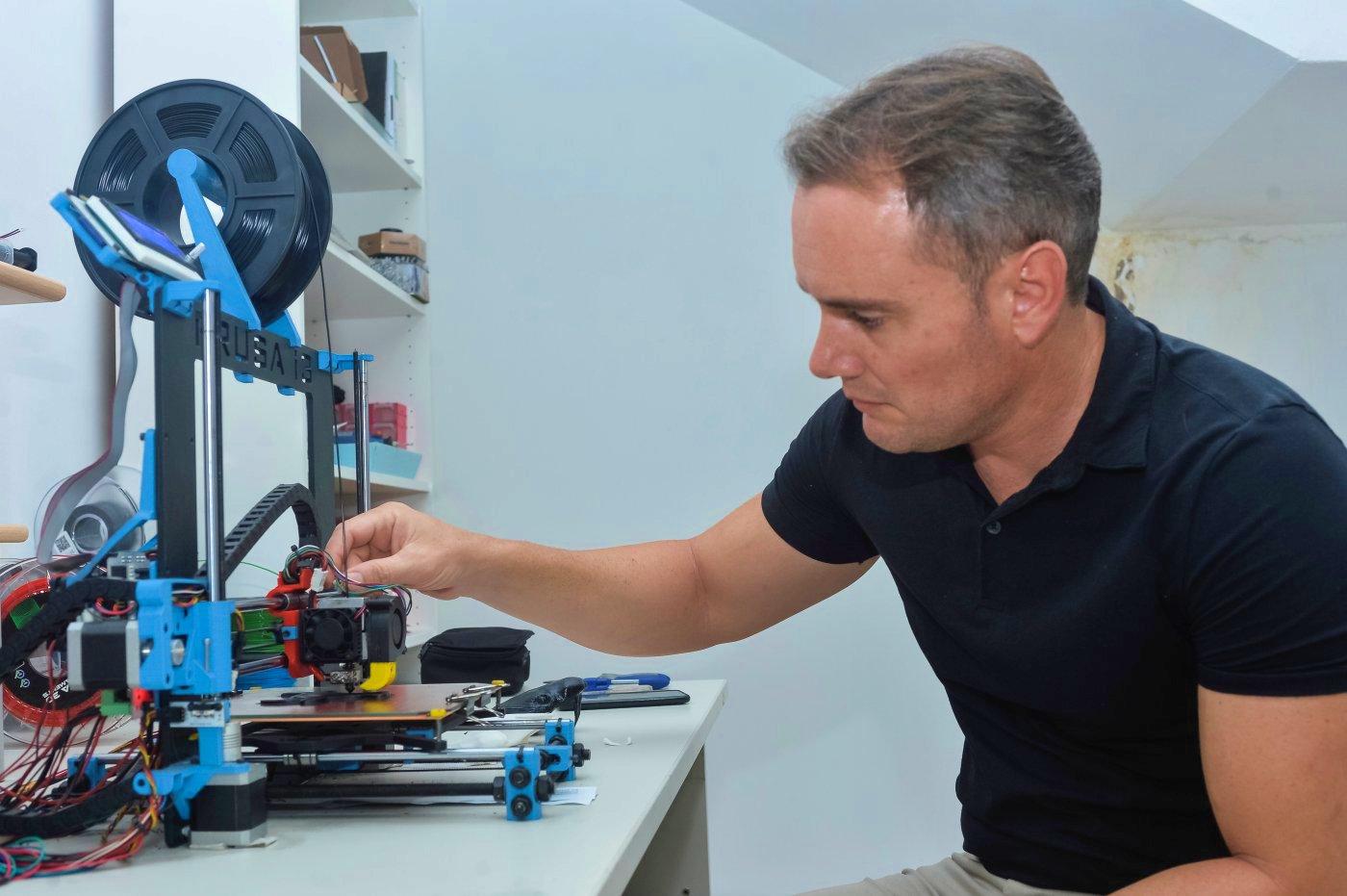 Carthagineses y romanos: Daniel Ubero con su impresora 3D