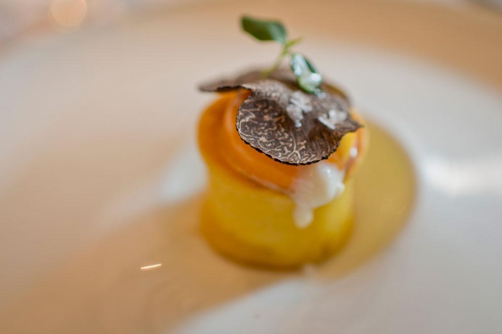 Huevo con trufa, uno de los platos estrella de El Doncel.