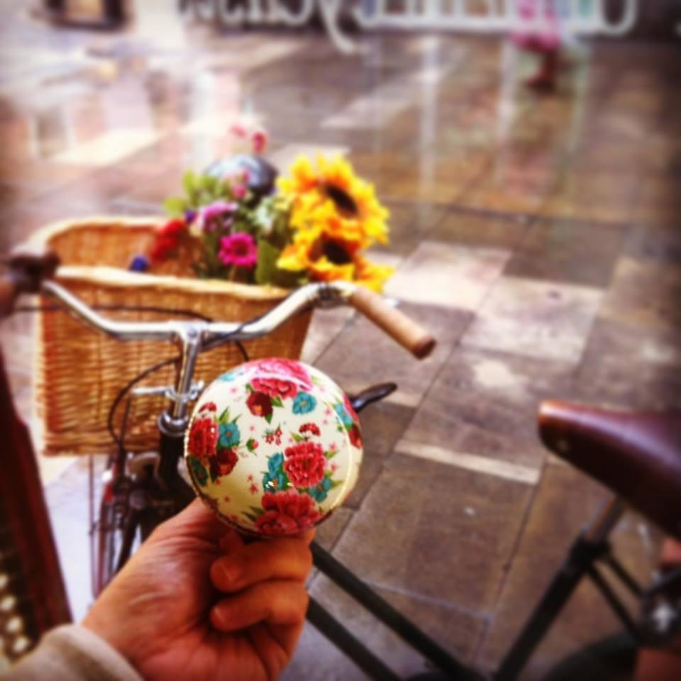 ¿Te animas a subirte a la bici? Foto: Ramonas Barcelona.