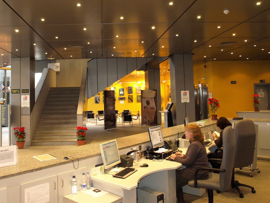 Tan moderna como su servicio de préstamo de tablets. Foto: Biblioteca Pública Jesús Delgado Valhondo.