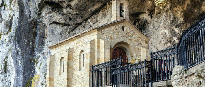 Santa Cueva de Covadonga.